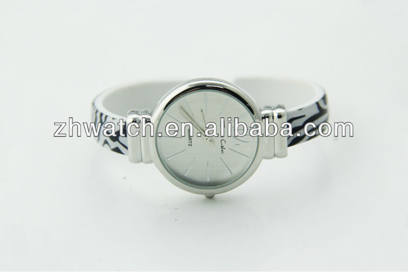 2013 new arrival ladies fashion bangle watch cuff bracelet watch safe materials watches