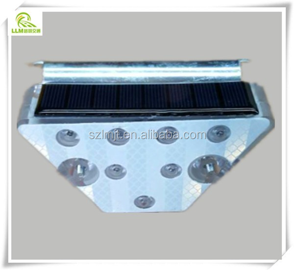 Factory outlet reflective delineator