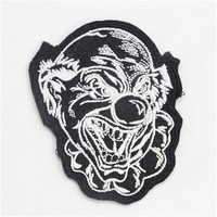 China Embroidery Factory Patch Work Neck Designs Embroidery Badges