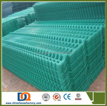 Hot sale PVC coated the triangle bending fence for Road Protection