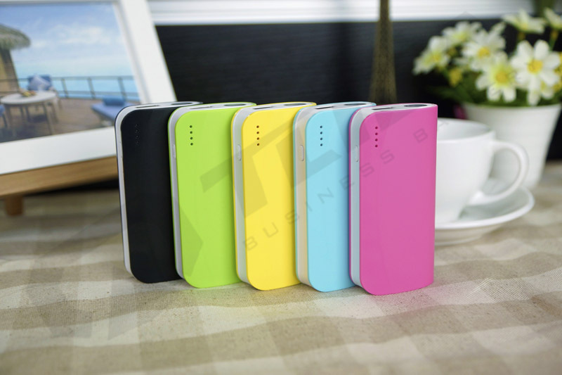 New Products Portable Universal Power Bank 12000mAh Fast Charging Power Bnaks For Mobile Phone