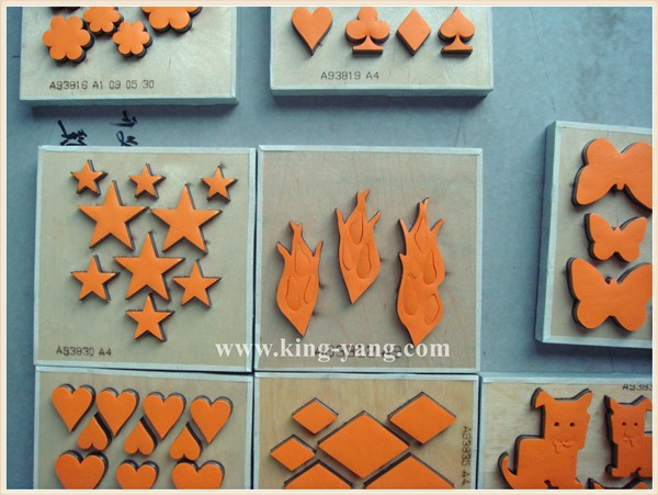 cutting dies for scrapbooking