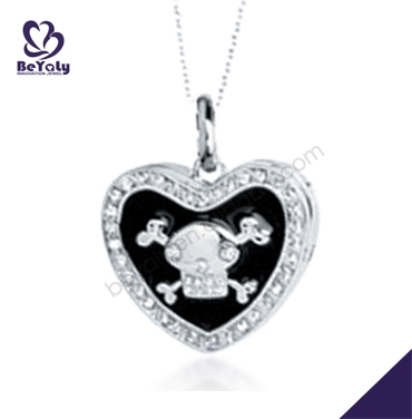 Anime heart with skull design silver bib collar necklace