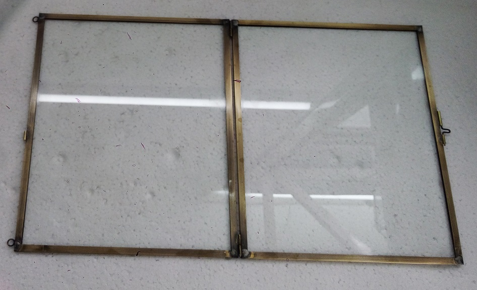 A Frameless Glass Picture Frame Glass Decoration
