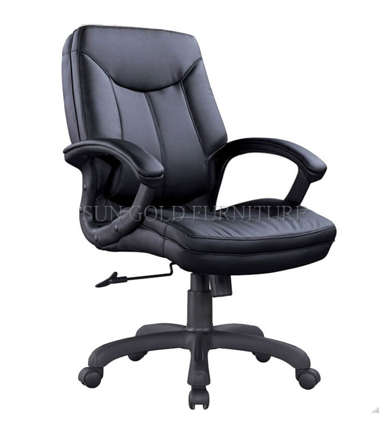 Professional middle back swivel BOSS office black leather chair (SZ-OC136)