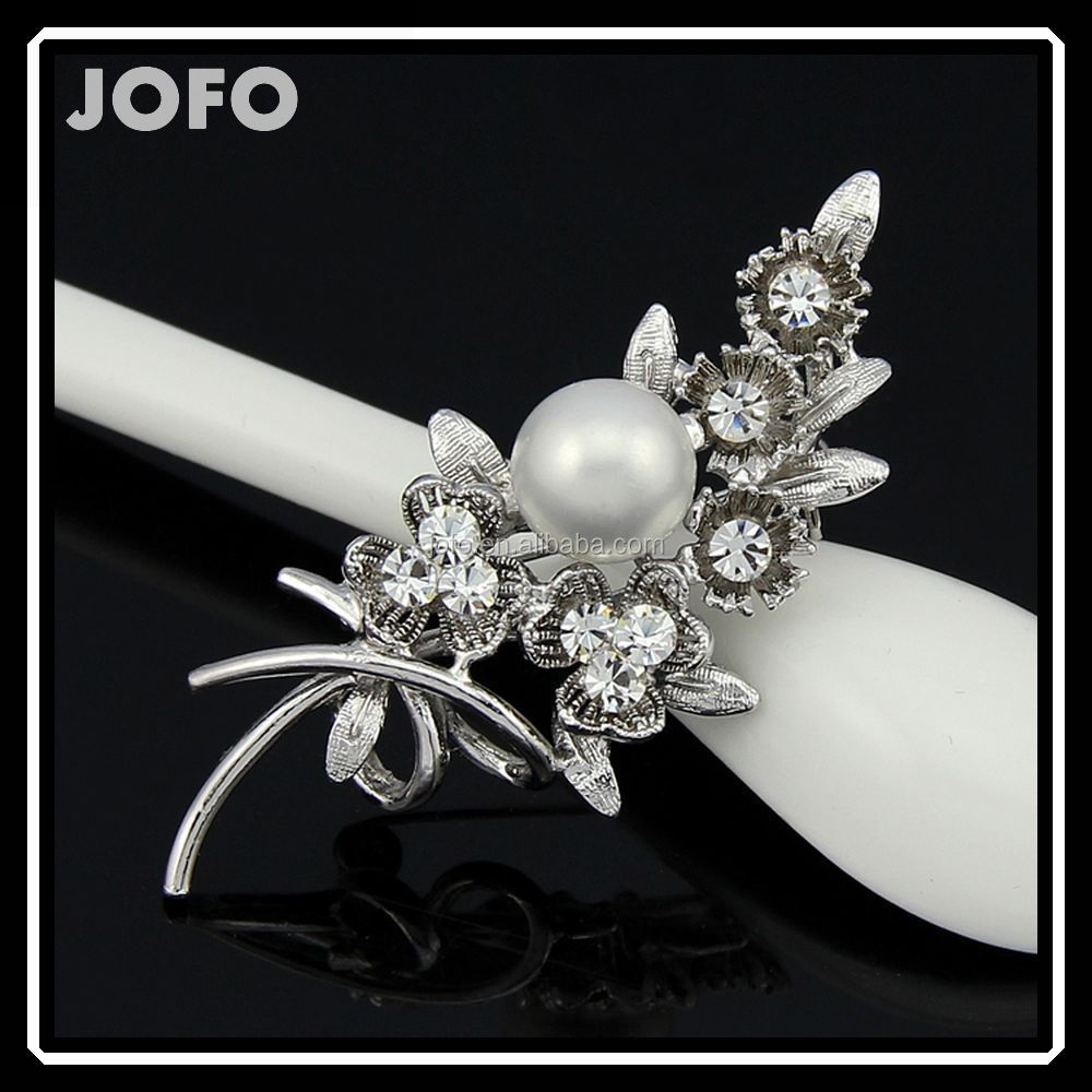 Latest Fashion Silver Rhinestone Bouquet Brooch With Pearl For Women Market In Yiwu DRJ0241