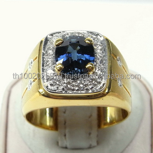 Natural Blue Sapphire Ring with elegant design.