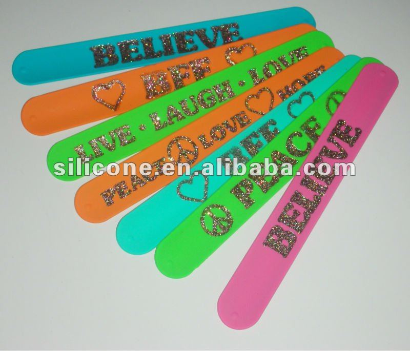 Promotional Flexible Siliconecustom snap bracelets with debossed fill Glitter