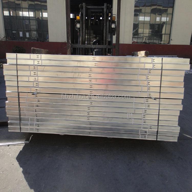 Трек бегун c - источник металл стержня из материалы , используемые строительные межстенная