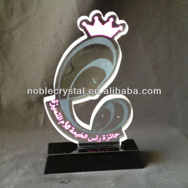 United Arab Emirates(UAE) Crystal UAE national emblem Souvenir