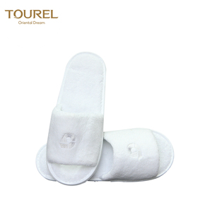 Excellent quality disposable towelling slippers with non-slip dotted sole open toe style