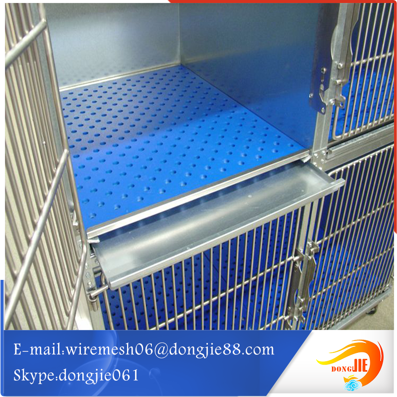 Low carbon spraying plastics dog cage