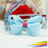 Fresh color fanned grosgrain ribbon bow use in DIY invitation card