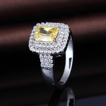 Elegant cz setting women value 925 silver ring with yellow stone