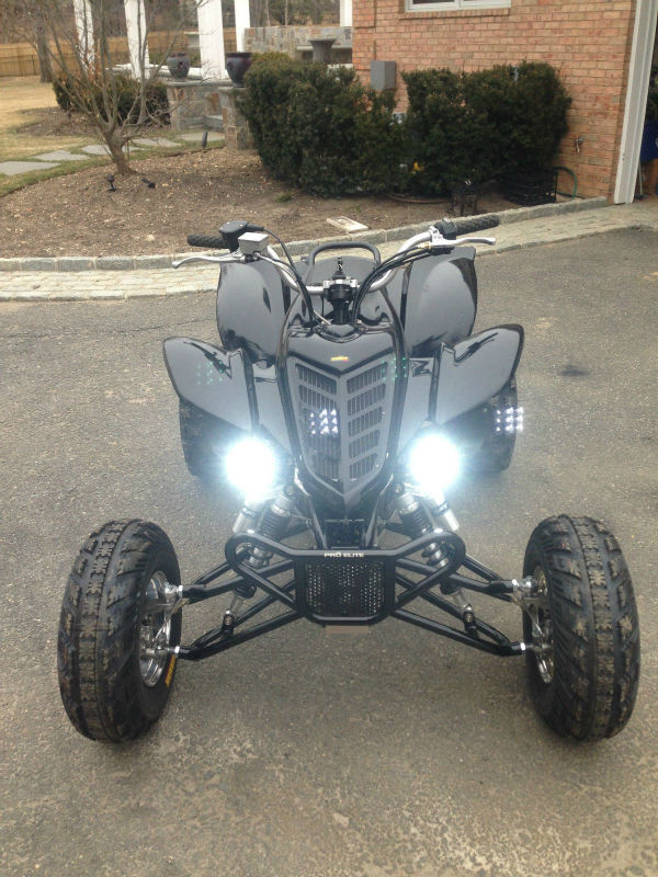 2005 Raptor 660r Gloss Black and chrome Atv ( SKYPE ID: extreem7supply )