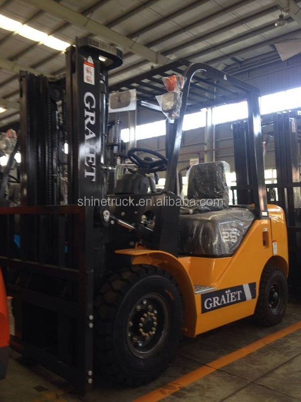 FD25 2.5 ton diesel forklift with Japan isuzu engine