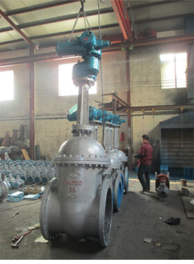 API600 A216 WCB flexible wedge flanged gate valve with bypass valve