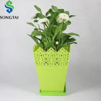 crown plastic flower pot in square shape