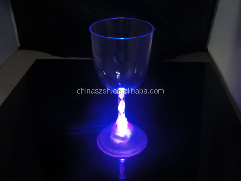 High Quality China Factory Flashing LED Light Up red wine glass/goblet