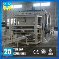 High product capacity concrete hollow block making equipment