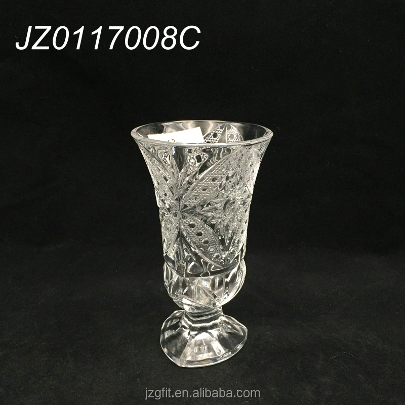 Wholesale trumpet triangle design drinking glassware, flute type beverage glasses, glassware drinking