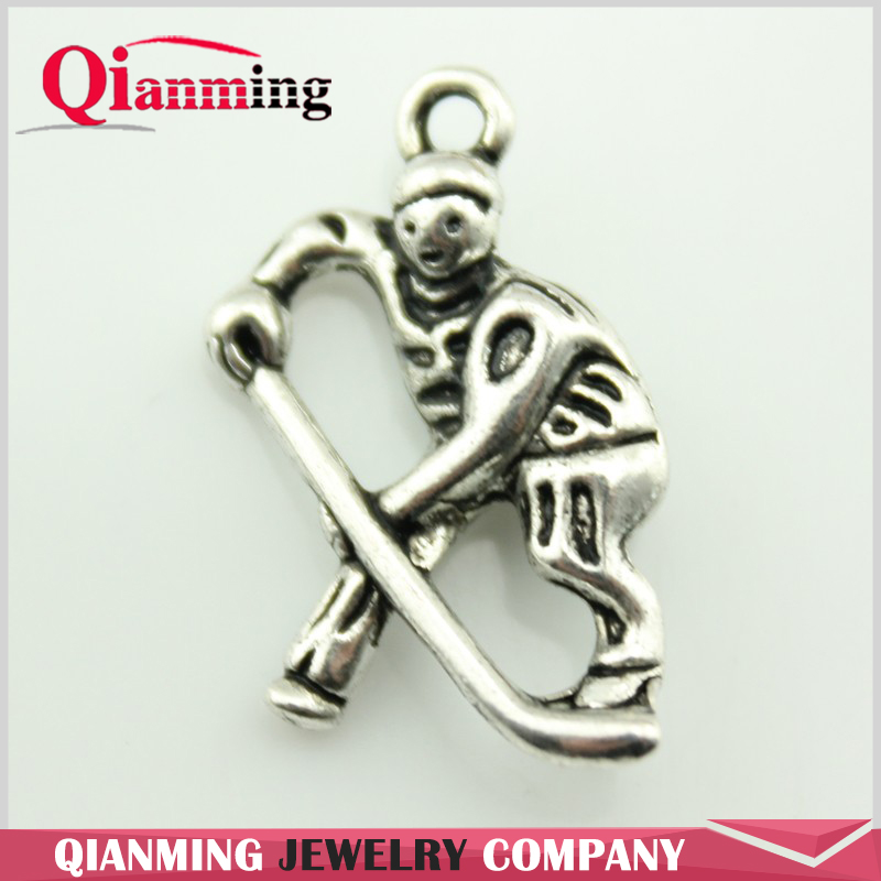 10pcs 25x16mm Hockey Players Charms Antique Silver Tone Hockey Players Pendant B10366
