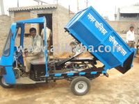 Hydraulic tipper on three wheeler