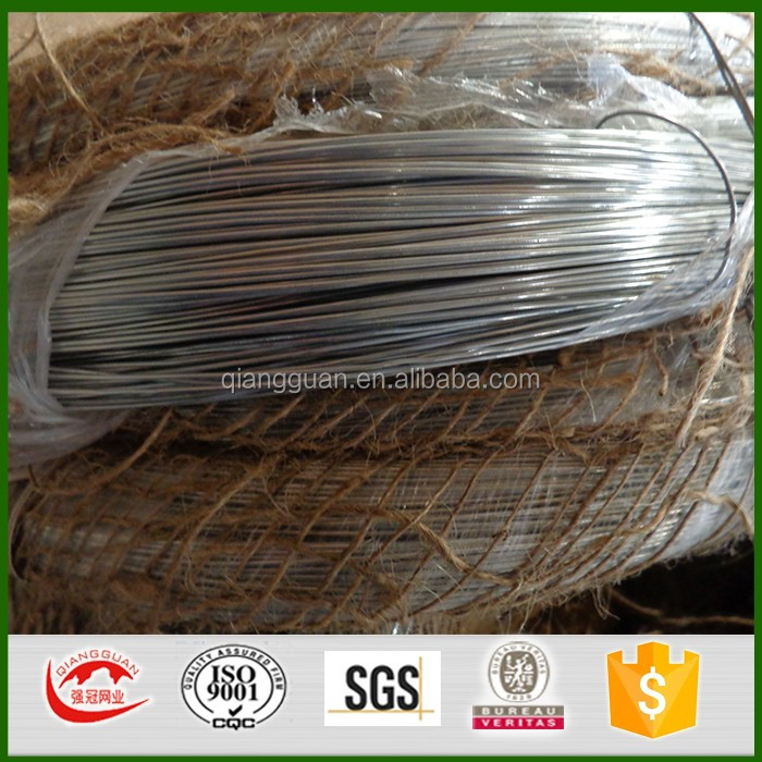 Hot dipped galvanized iron wire is made by Q195 low carbon steel wire . Main process is wire drawing 0.7mm