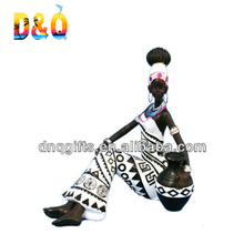 Polyresin african woman souvenirs figurine