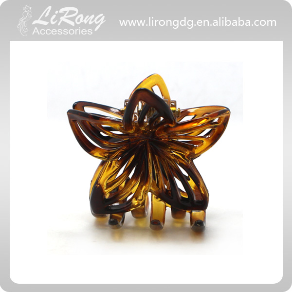 Hollowed-out Flower Hair Claw Clip