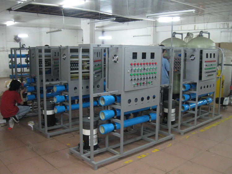Reverse Osmosis Dialysis Automatic Water Purification System Machine Treatment Plant Project Construction
