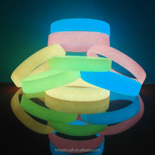 Customized Glow In the Dark Silicone Wristbands with Free Design and Free Samples