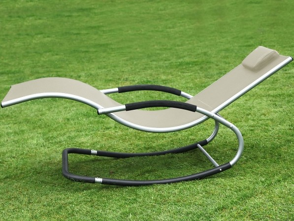 Chaise longue roking chaise z ro gravit bascule for Chaise 0 gravite