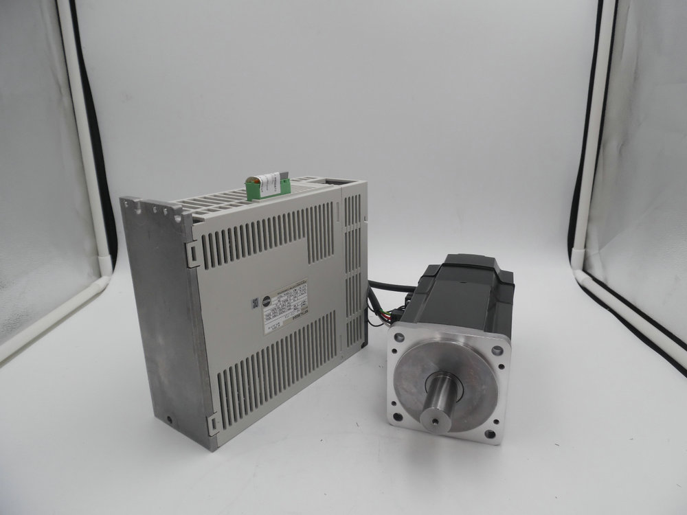 Original new HC-MFS73B+MR-J2S-70A 7.5kw 2.4NM 3000rpm mitsubishi servo motor drive kit