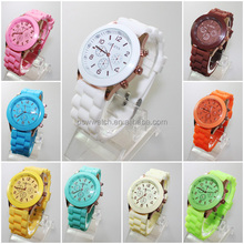 Quartz movt stainless steel back vogue lady wrist watch silicone band geneva watch