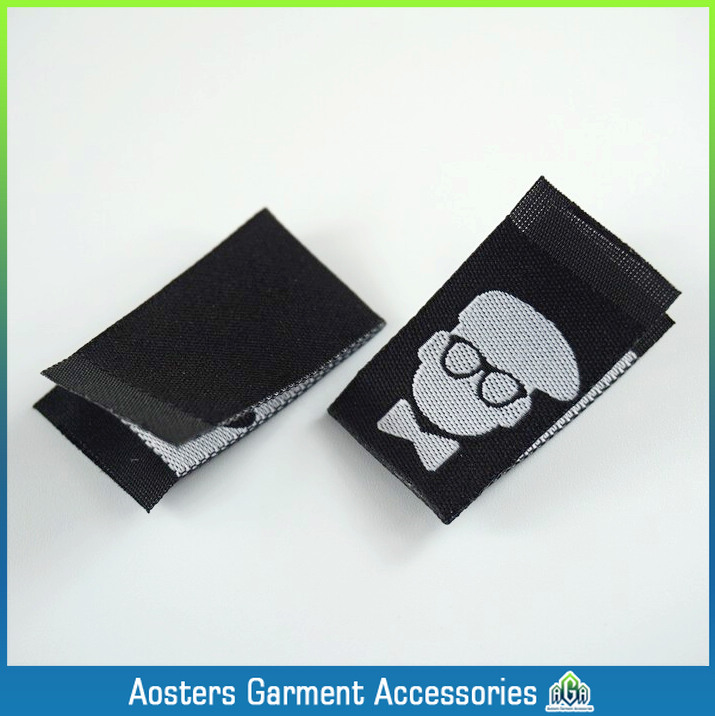 customized cloth woven label garment tags made in china