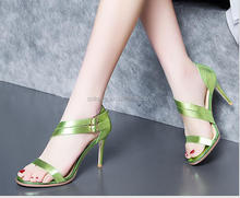 E0421A The new summer style of the European and European style is fine with the metallic cowhide leather sandals