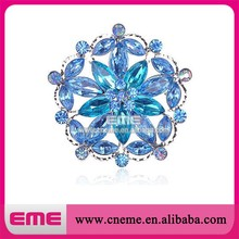 Blue round crystal rhinestone brooches Wholesale skyblue wreath