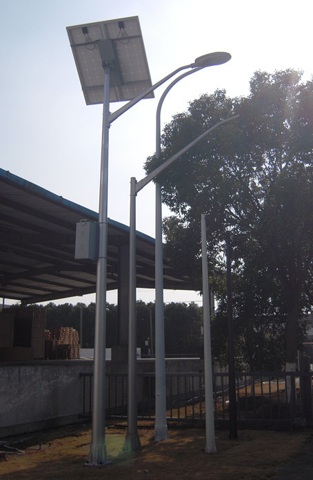 Solar power energy street light pole