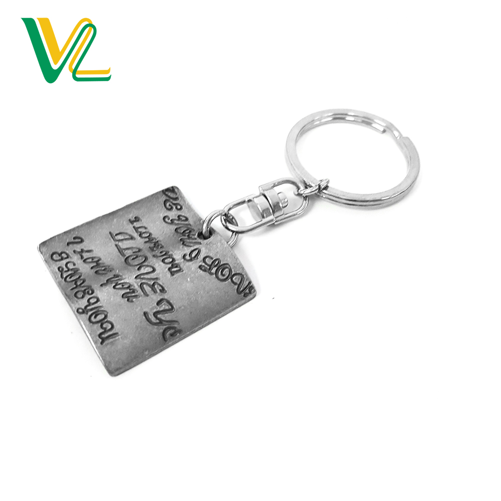 China Factory High Quality Die Casting with Letter Engraving Square Pendant Anti-Nickel Gift Key Chain