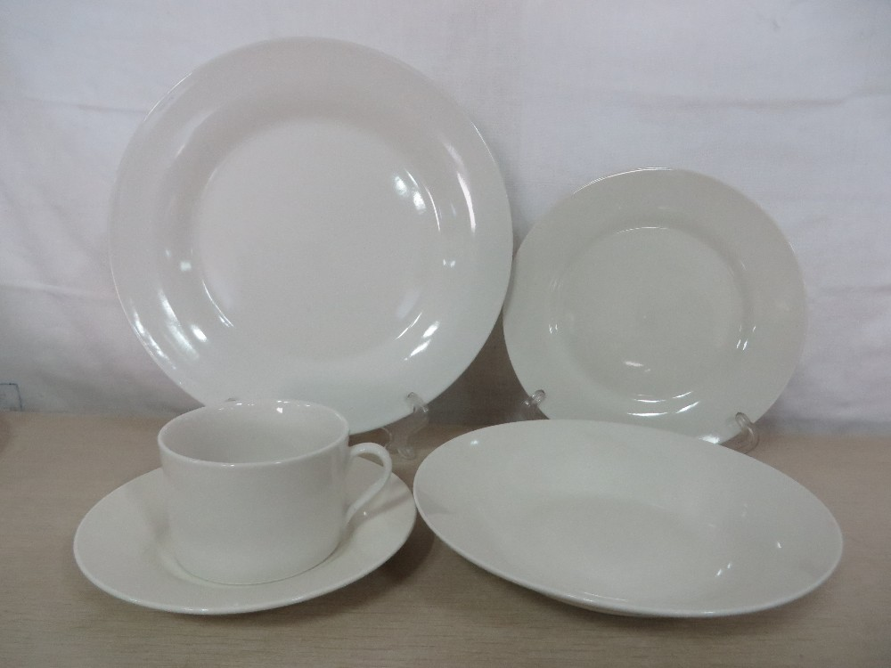 Stock dinner table set 20pcs porcelain dinnerware sets
