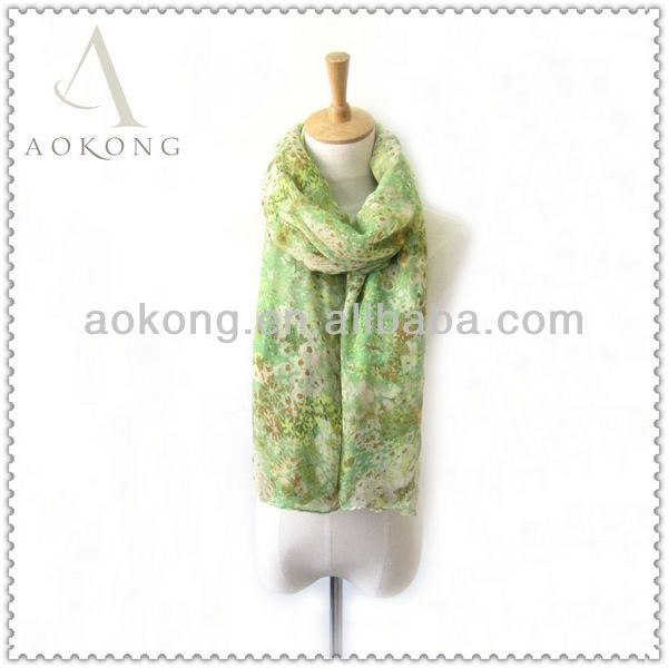 Fashionable ladies polyester light weight spring fling small flower printed scarf
