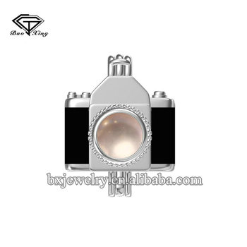 Global glaze new products custom design elegant pearl silver camera cage pendant