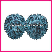 2013 spring style lion alloy earrings