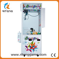 Chinese Products Wholesale candy grabber machine toy low price widely used small toy crane machine