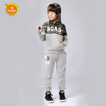 2017 wholesale child wear for boy sport suit drop shipping