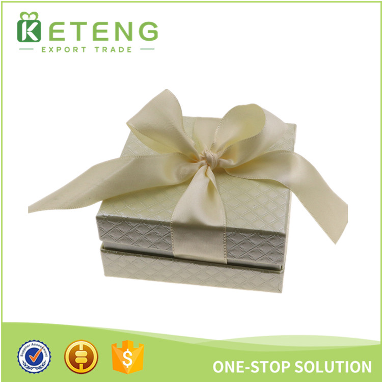 Paper gift jewelry boxes with ribbon packing box
