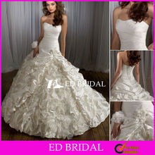 2012 The Most Popular Wedding Dresses Ball Gown Strapless Slight Curve Ruched Taffeta Bridal Gowns with Ruffled Skirt