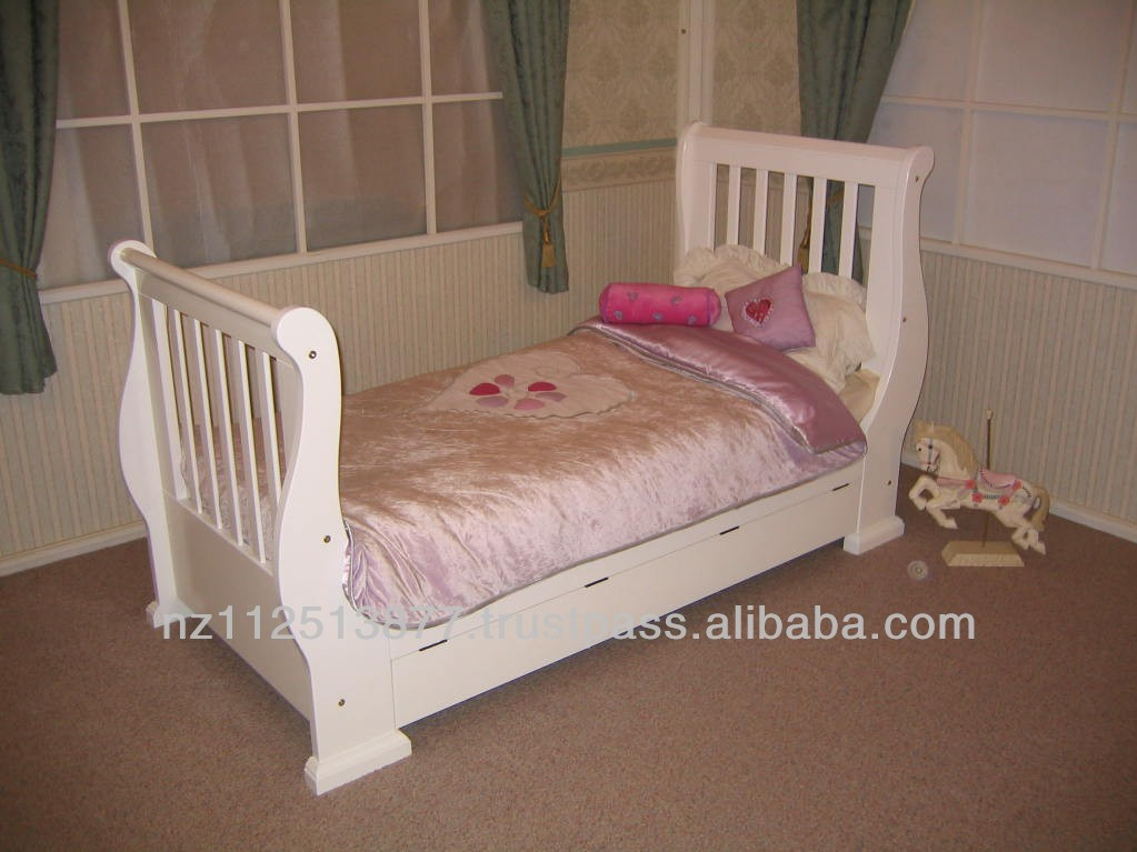 Pamco Sleigh Bed