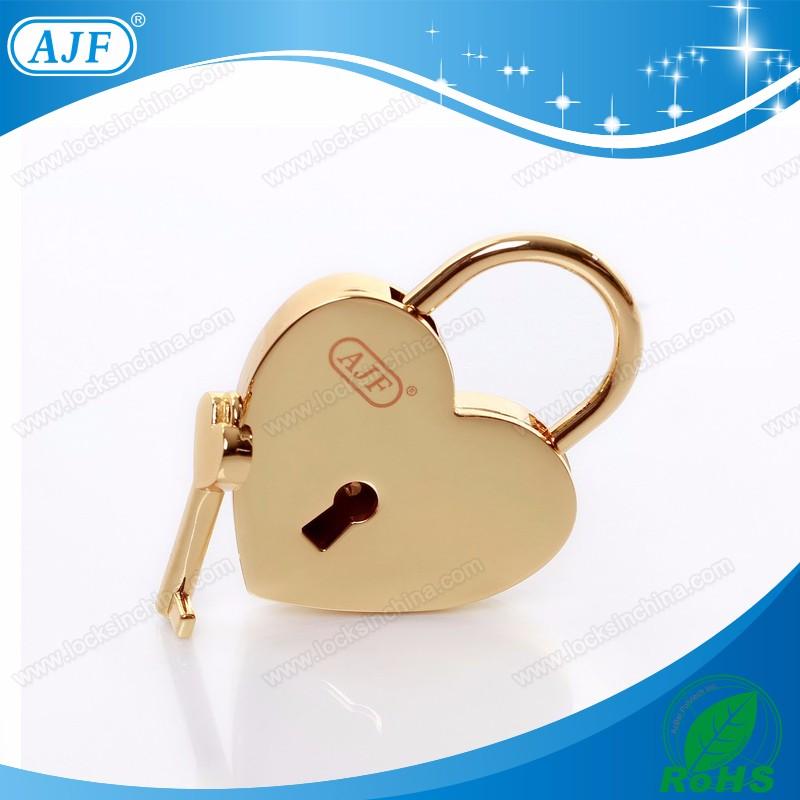 A01-022HG AJF lock love lock 1.jpg